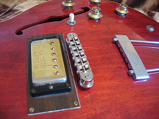 Photo:70s Gibson Humbucker on ES-335 By Roadside Guitars