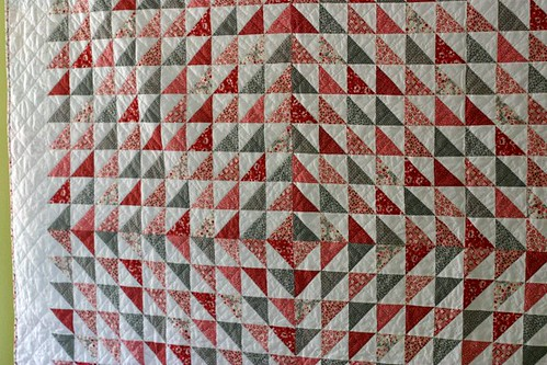 red&white quilt close