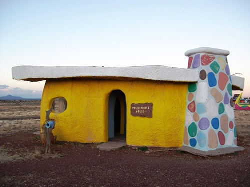 Policeman's house at Bedrock City, AZ.  Who knew policemen could be so colorful? - bedrock23x