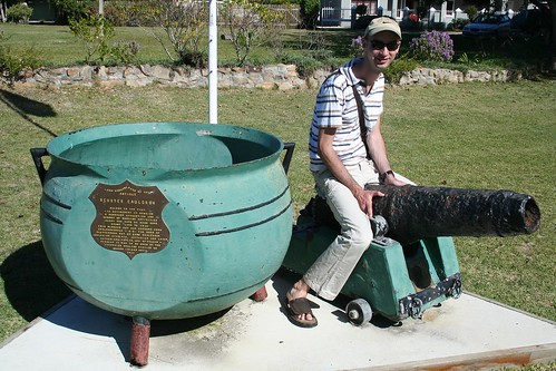 Whale Blubber Cauldron and Andries with the classic Cannon pose!