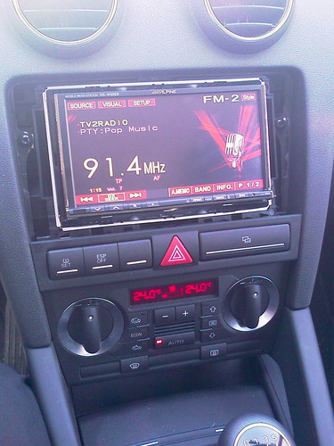 Alpine iva w505r installed in audi a3 sq for Mueble 2 din audi a3 8p