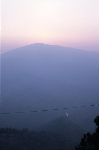 sunset india foothills landscape asia indian himalaya hazy himalayas himalayan almora highquality coolestphotographers flickrfinal nikon1india0122sie