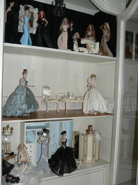 Fashion Royalty New Doll House The Inside True R
