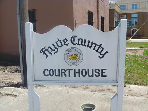 sign northcarolina oldcourthouse swanquarter hydecounty countyseal