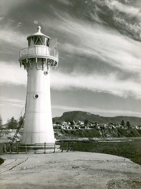 Wollongong Breakwater Lighthouse