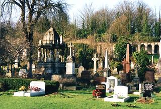 War memorial 의 이미지. cemetery bristol tombstones warmemorial memorials arnosvale rajarammohunroy scannedfromoldphotos