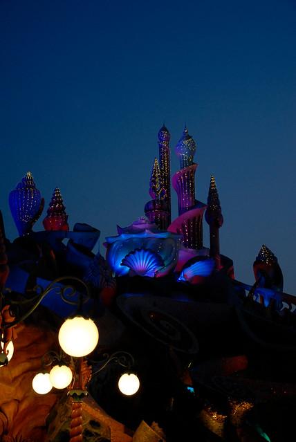 Photo:20080606 Tokyo DisneySea 41 (Night image of Triton's Kingdom) By BONGURI