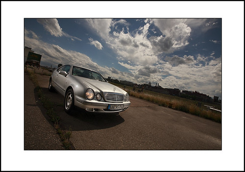 Mercedes CLK (strobist lighting)