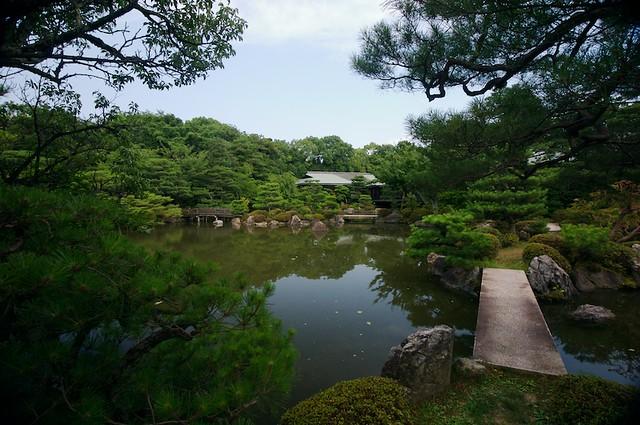 Photo:Bridge to the shrine association building (heian jinguu kaikan, 平安神宮会館) By foliosus