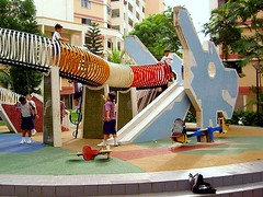 school playground in Singapore (by: Mr. Dew, creative commons)