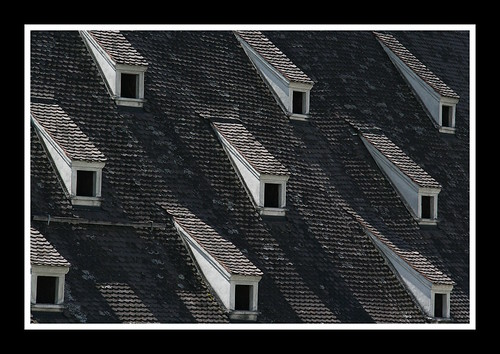 windows castle rooftop window geotagged ventana tirol österreich gimp explore finestra ventanas schloss 2008 ubuntu tejado castillo tyrol juliol innsbruck teulada castell artcafe finestres ambras abigfave canoneos400d photofaceoffwinner photofaceoffplatinum sigma18200mmf3563dcos theperfectphotographer pfogold pfoplatinum gimp24 àustria geo:lat=47255764 geo:lon=11434238 interestigness196 artcafedomidoexhibitionscomein
