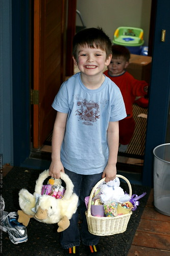 somebody doorbell ditched us and left these easter baskets on the doorstep    MG 0469