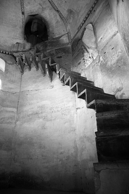 scary stairs orchha flickr photo sharing