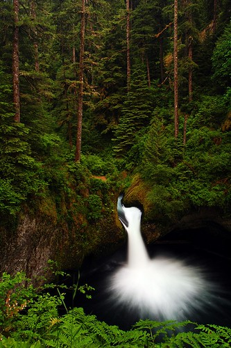 oregon waterfalls pacificnorthwest fav30 eaglecreek naturesfinest blueribbonwinner punchbowlfalls supershot bej abigfave anawesomeshot longexposurewater