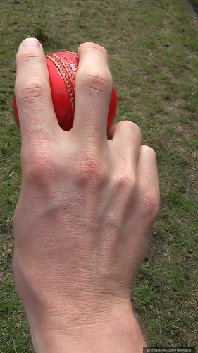 outswing grip (back)