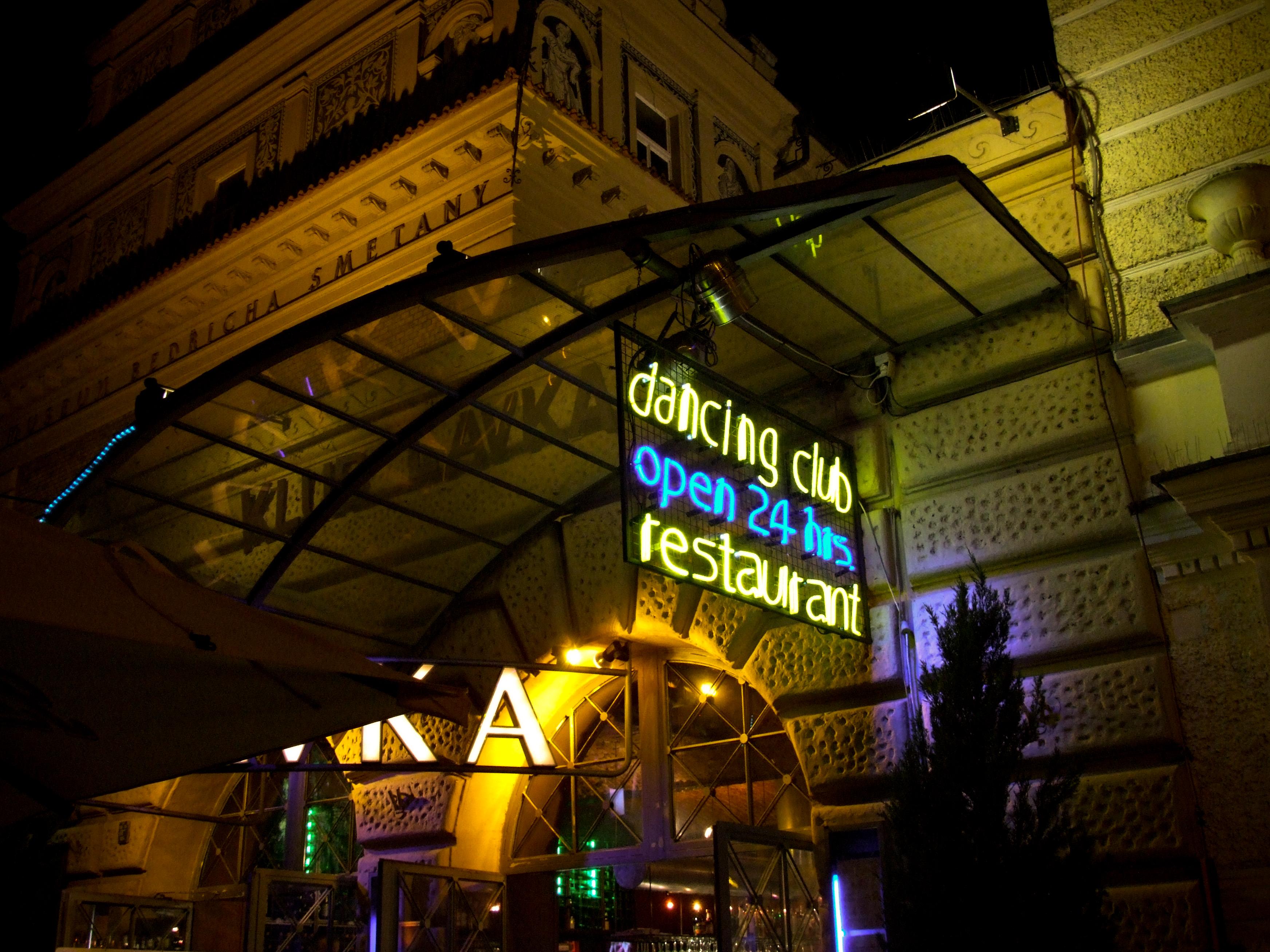 neon club praha freevideo z