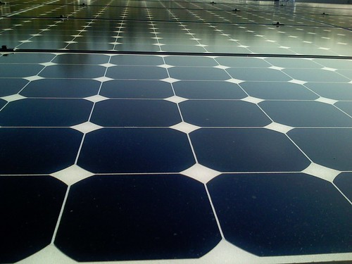 Panales solares flotantes