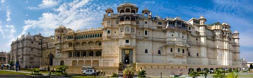 autostitch panorama india colors architecture colorful asia stitch indian wide palace rajasthan udaipur citypalace lakepichola 1559 ashisht maharanaudaisingh ashishtibrewal
