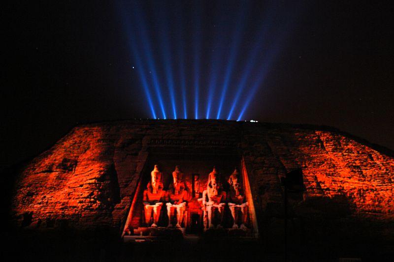 Espectáculo nocturno de luz y sonidos sobre los templos de Abu Simbel Abu Simbel, el templo de las dos vidas - 2473748943 9f975233ee o - Abu Simbel, el templo de las dos vidas