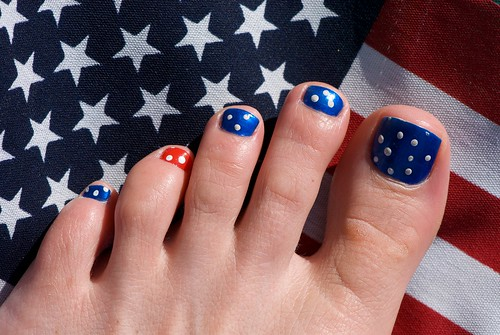 The best nail paints galery 39 s 4th july us flag toe nail for 4th of july nail art decoration flag