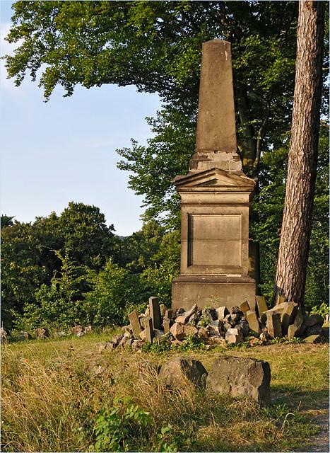 obelisk on Drachenfels