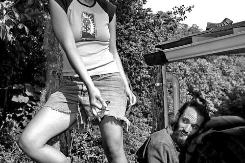 summer bw beauty work garden nohead knife beautifulwoman 2008 install communitygarden k10d pearsongarden reachforit mathewryal bountifulcitiesproject installingrainbarrels