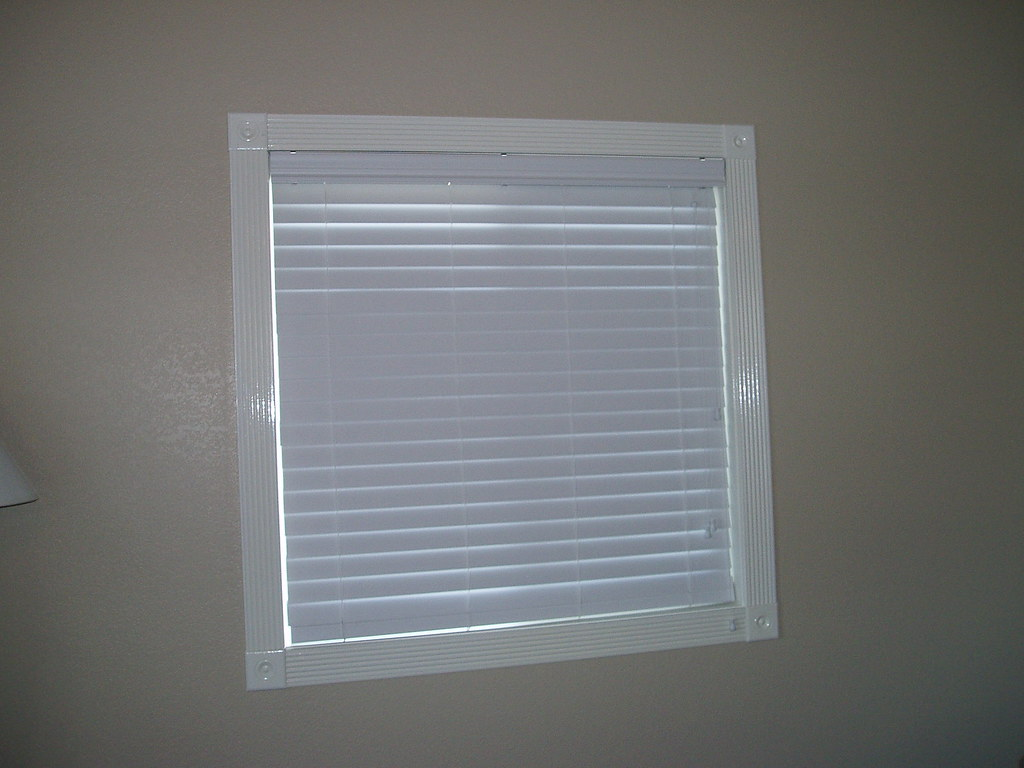 "horizontal 2"" faux wood blind"
