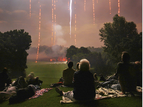 light wisconsin night rj fireworks 4thofjuly wi pm10 portf shorewoodhills pm10mx pm10col pm10j pm10fnl pm10cbw
