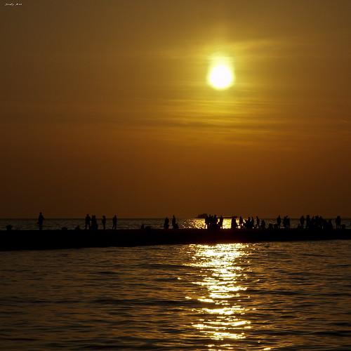 sunset sea sky tramonto mare shadows persone porto cielo jody sole trieste onde riflesso banchina jodyart thatsclassy betterthangood jodysticca