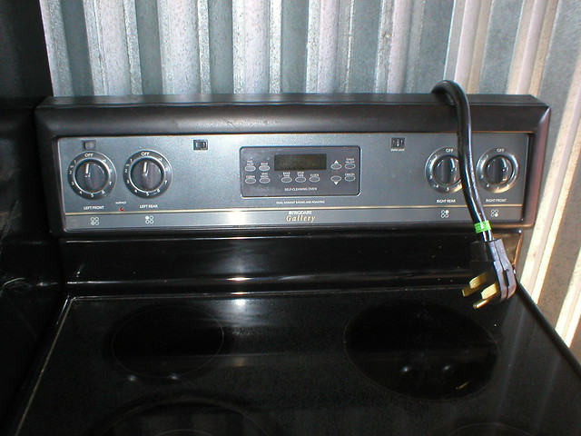 Stove repair february 2017 pictures of frigidaire gallery stove repair fandeluxe Images