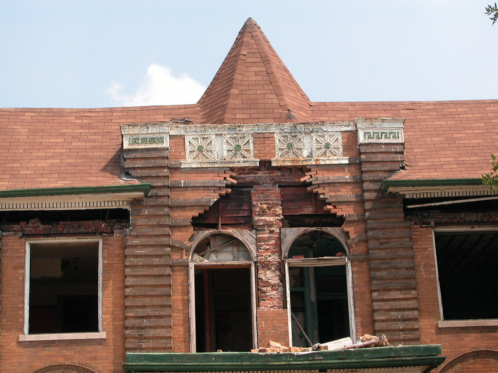 Lost 4405 4409 evans avenue preservation research office for Brick quoins