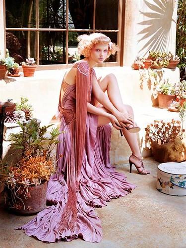 15921938_53423_Jessica_Stam__Steven_Meisel_Shoot_2004_for_Vogue_Italia_8109_122_1021lo