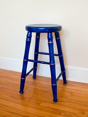 table(0.0), chair(0.0), stool(1.0), furniture(1.0), blue(1.0),