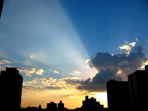 city sunset cidade brazil sky urban orange cloud sun sunshine silhouette brasil skyline clouds sunrise laranja silhouettes céu sampa sp nuvens urbano 43 silhueta a630 silhoueta canona630 duetos cameradeourobrasil fabioraphael imagespace:hasdirection=false