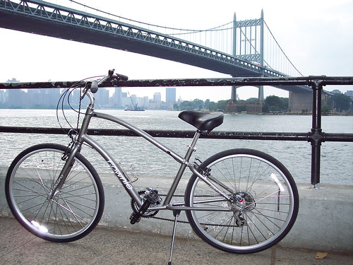 Matt Berg's Electra / Townie 21 in Manhattan by trudeau