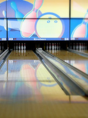leisure(0.0), team sport(0.0), individual sports(1.0), sports(1.0), ball game(1.0), ten-pin bowling(1.0), bowling(1.0),