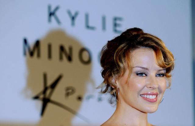 KYLIE-MINOGUE-MYER-SYDNEY-SYD177478784DDF THURSDAY, NOVEMBER 11 2008