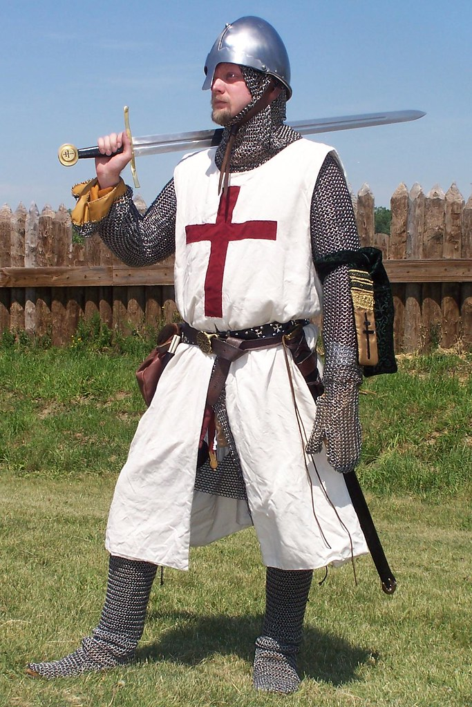 ... Knight of the Cross. Note the hand openings in the mail mittens and the  full