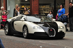 auto show(0.0), automobile(1.0), bugatti(1.0), wheel(1.0), vehicle(1.0), performance car(1.0), automotive design(1.0), bugatti veyron(1.0), land vehicle(1.0), luxury vehicle(1.0), supercar(1.0), sports car(1.0),