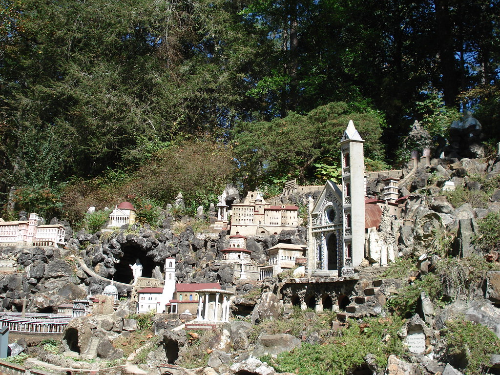 Ave Maria Grotto, Cullman, Alabama