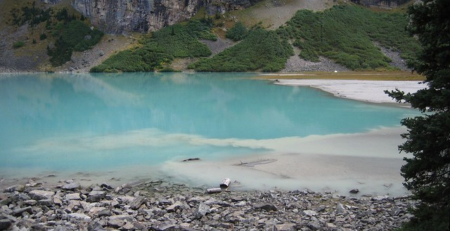 Dating lake sediments