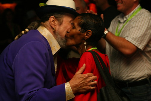 'OZ Artist Liaison Dee Lindsey shows her appreciation to Dr. John in the Foundation Room (Photo by Jef Jaisun)