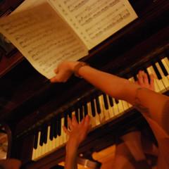 classical music, celesta, musician, pianist, piano, musical keyboard, keyboard, organist, player piano,