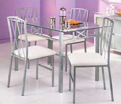 Alaska glass table and chairs