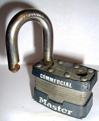 padlock(1.0), metal(1.0), lock(1.0), iron(1.0),
