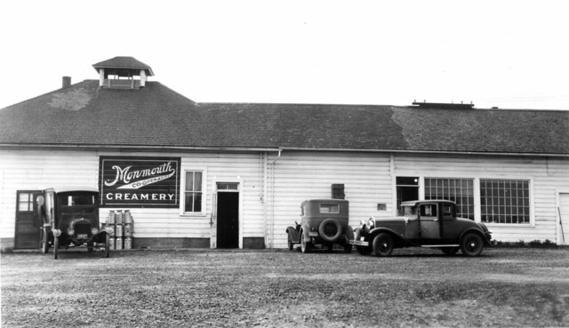 Vehicles at Monmouth Co-operative Creamery, 1930