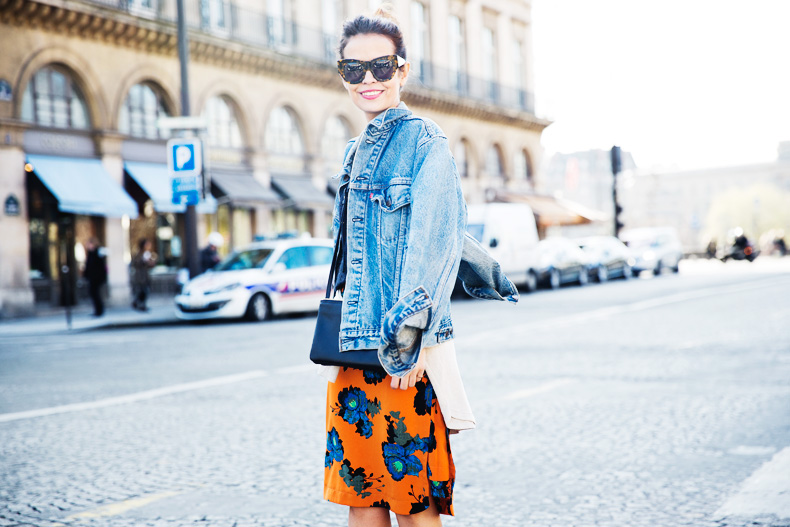 floral_skirt-topshop-orange-denim_jacket-street_style-pfw-outfit-karen_walker-celine-trio_bag-42