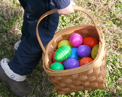 agriculture(0.0), food(0.0), play(1.0), easter egg(1.0), easter(1.0),