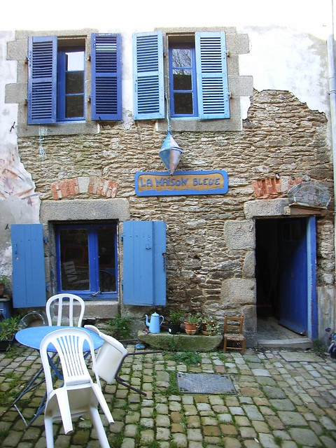 rue de saint malo maison bleue flickr photo sharing. Black Bedroom Furniture Sets. Home Design Ideas