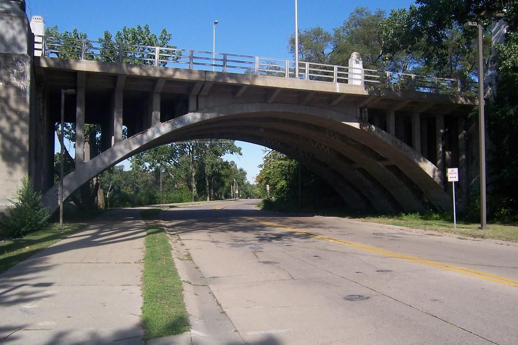 Twyckenham Drive bridge